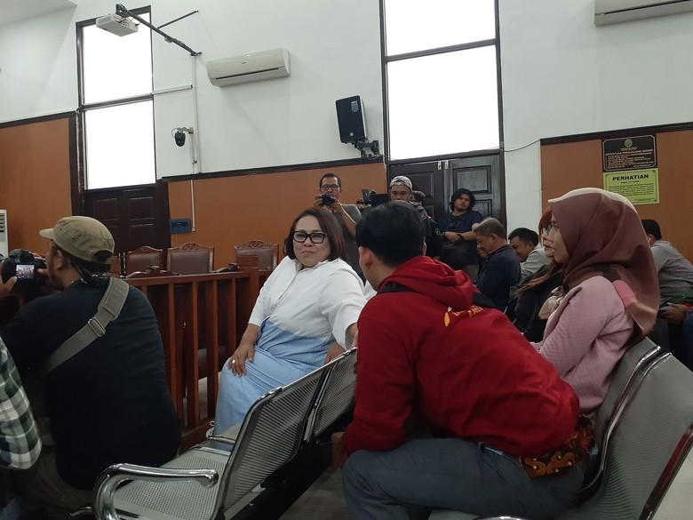 Tuntutan Jaksa Belum Siap, Sidang Kasus Narkoba Nunung Ditunda