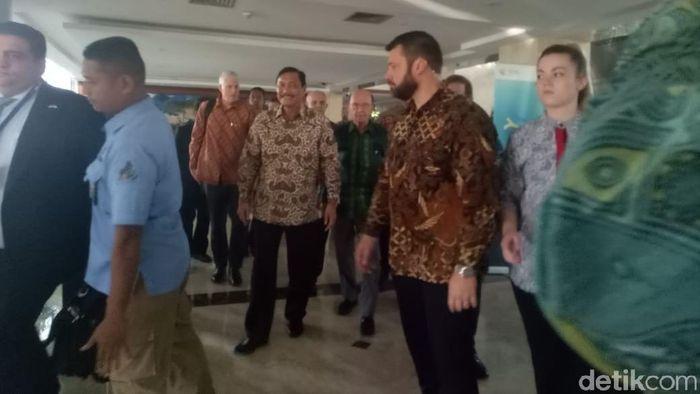 Foto: Menko Maritim Luhut Binsar Pandjaitan bertemu Menteri Perdagangan AS Wilbur Ross (Anisa Indraini/detikFinance)