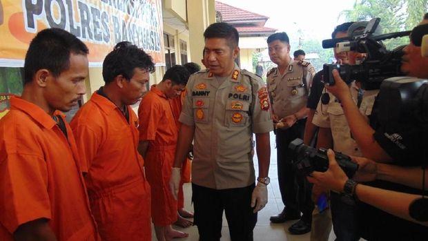Keempat pelaku ditangkap saat akan transaksi di wilayah Sungsang, perairan Sungai Musi