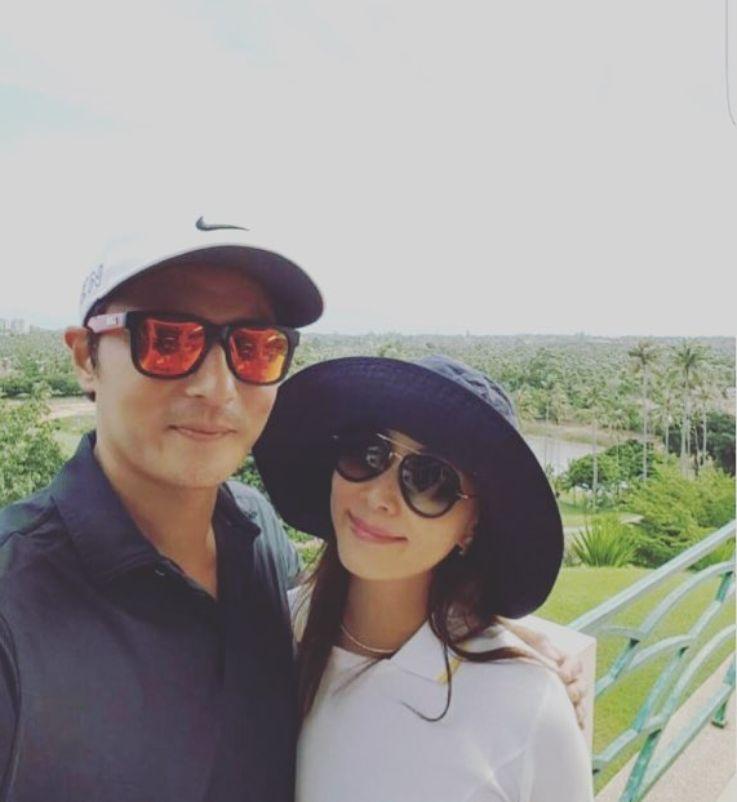 Jang Dong Gun dan istri