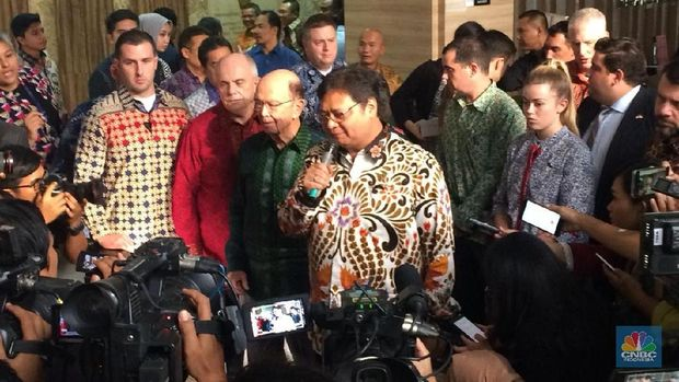 Apa Ini Kado 'Natal' Trump untuk Jokowi?