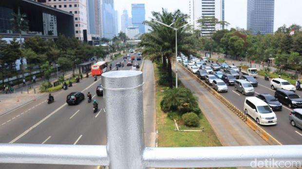 Panorama dari JPO tanpa atap