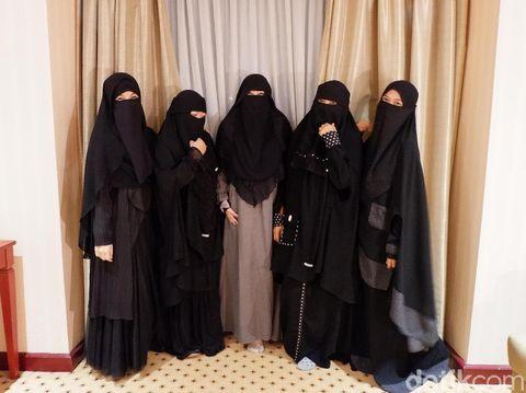niqab squad