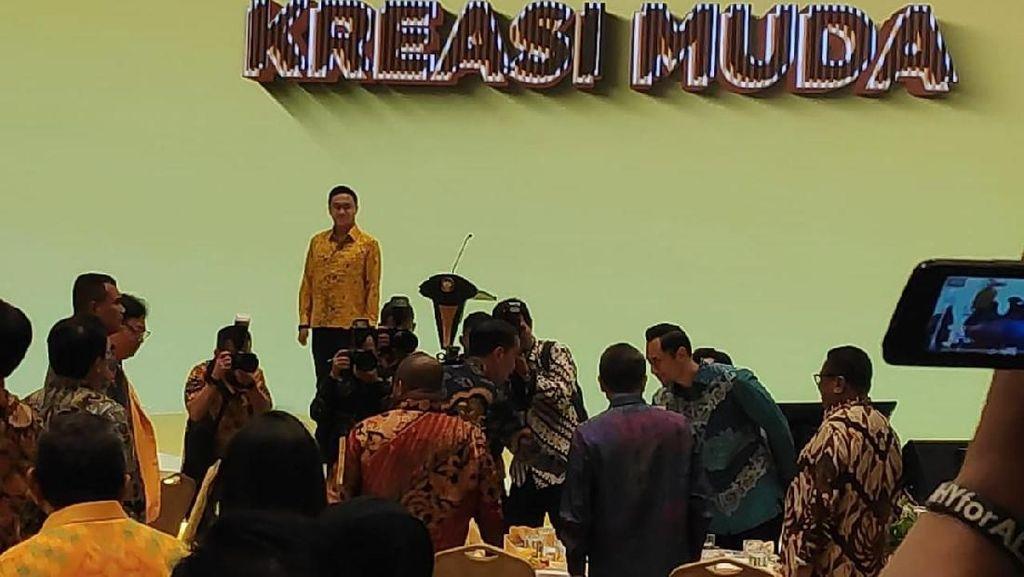 Tiba di HUT Ke-55 Golkar, Jokowi Salami AHY hingga OSO