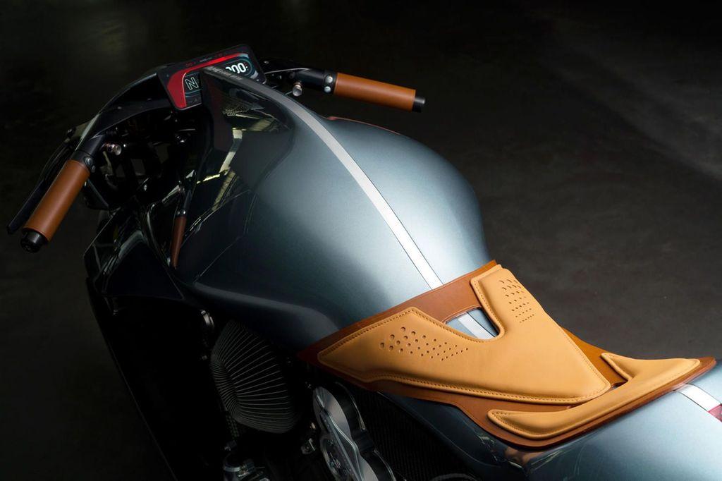 Motor Super pertama buatan Aston Martin