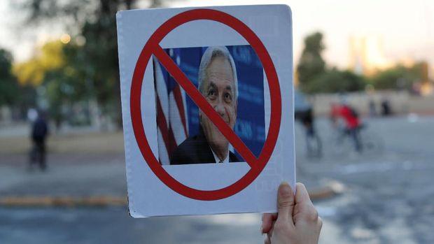 Unjuk rasa memprotes Presiden Chile Sebastian Pinera masih marak