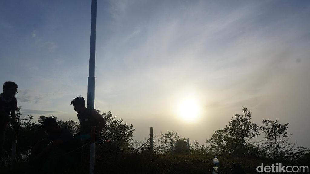 Foto: Berburu Sunrise di Pedalaman Kalimantan Utara