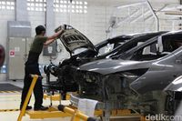Pabrik perakitan mobil Chevrolet di Bekasi setop produksi pada Juni 2015.