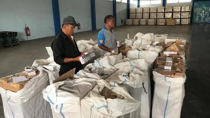 Ratusan ribu batang rokok ilegal diselundupkan melalu jalur Tol Laut. (Foto: dok. Bea-Cukai Jateng-DIY)