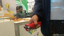 Karya Anak Bangsa! Sol Sepatu Ini Punya Sensor Jarak untuk Tunanetra