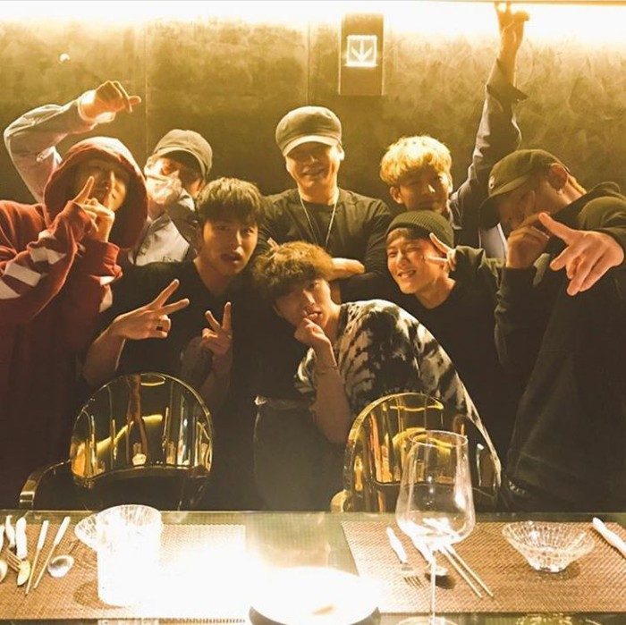 Foto: InstagramYang Hyun Suk pernah merayakan makan malam bersama iKon (artisnya) di salah satu restoran mewah di Korea Selatan.