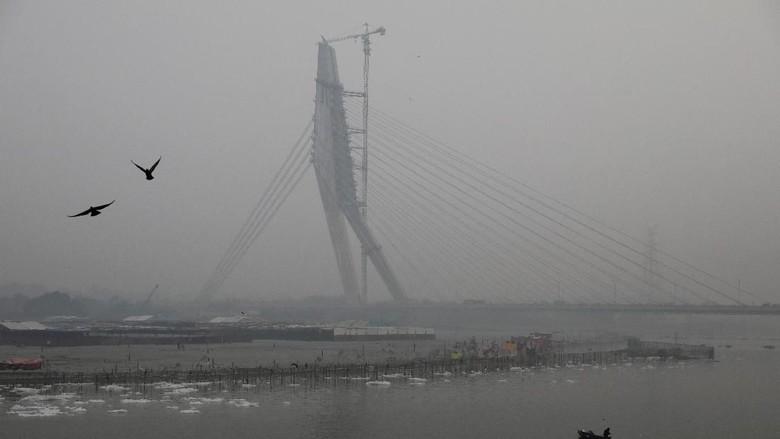 Kabut polusi di New Delhi. (Foto: Reuters)