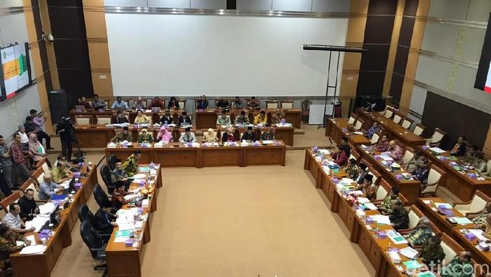 Rapat Menag dengan Komisi VIII DPR (Rolando/detikcom)