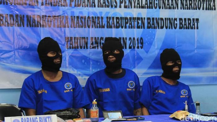 BNN Bandung Barat meringkus tiga pelaku kurir sabu jaringan lapas. (Yudha Maulana/detikcom)