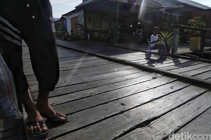 Kampung Nelayan Baliwan merupakan salah satu permukiman warga yang berada di Sebatik Barat, Kabupaten Nunukan, Kalimantan Utara.