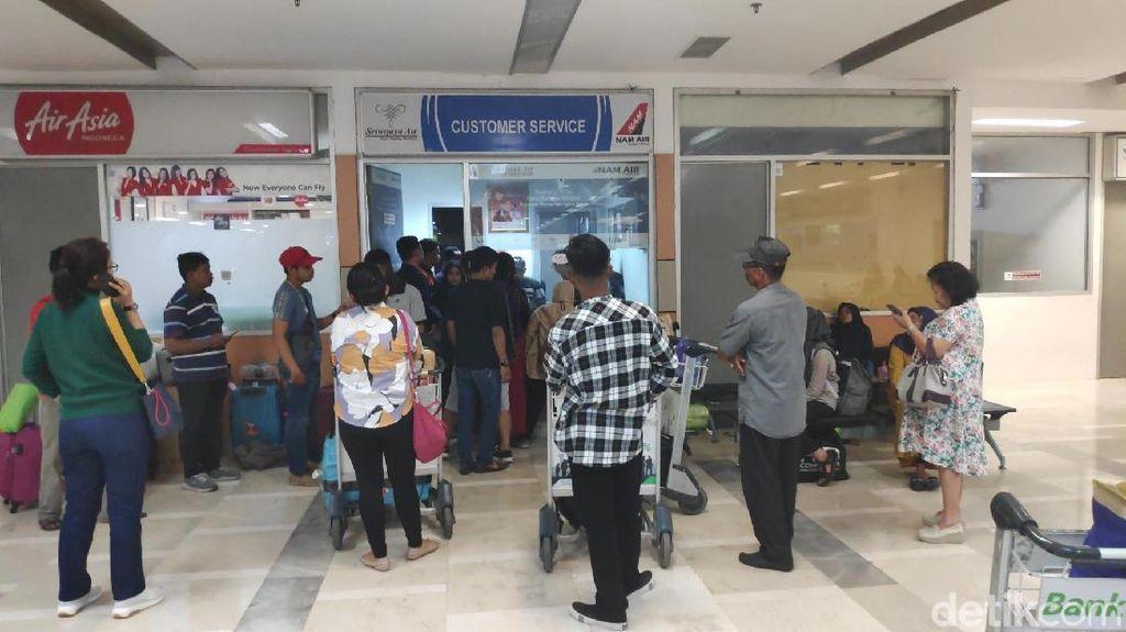 Ratusan Penumpang Sriwijaya Air Telantar di Bandara Makassar