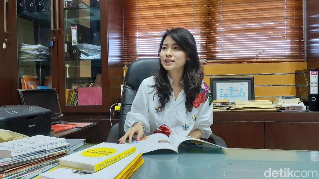 Eksklusif! Mengenal Risa Santoso dan Obsesinya Jadi Rektor Termuda