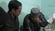Mendikbud Nadiem Disambut Tangis Keluarga Korban SDN yang Ambruk