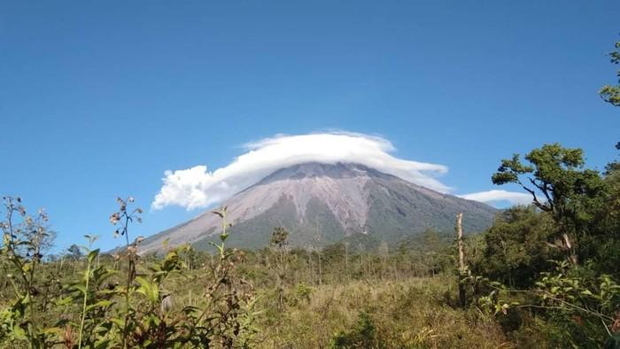 Jalur Pendakian Gunung Semeru Belum Dibuka Sampai Kapan