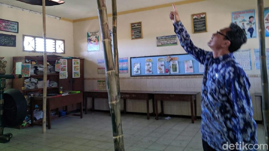 Miris! Atap SDN di Ponorogo Ini Ditopang Bambu agar Tak Ambruk