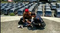 Protes, Ratusan Kades di Tasikmalaya Kembalikan Mobil Operasional ke Pemda