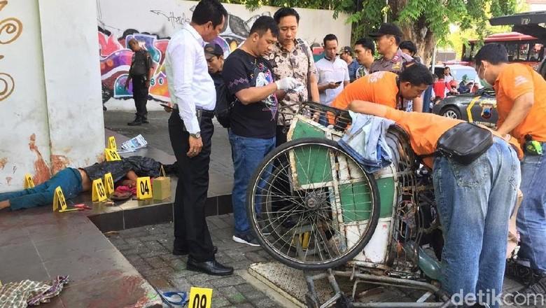 Ditemukan Pisau dan Gunting di Dekat Mayat Bersimbah Darah di Semarang