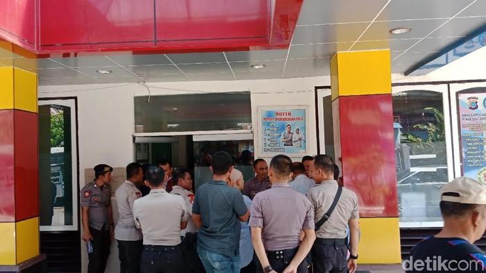 Dua polisi di Donggala dirawat di RS Bhayangkara Sulteng (M Qadri/detikcom)
