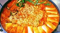 Yuk! Ramai-ramai Makan Budae Jjigae Enak di 5 Tempat Ini