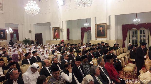 Para menteri, perwakilan negara sahabat, hingga anak panti asuhan mengikuti acara ini