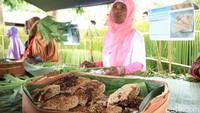 Hanya dari segi kuliner, tak jauh beda dengan milik masyarakat Papua. Mereka pun juga memakan papeda hingga ikan kuah kuning yang jadi khas Papua (Randy/detikcom)