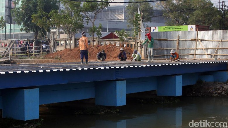 Pembangunan Jembatan di Kawasan Kalimalang Terus Dikebut