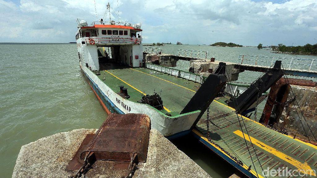 Pintu Masuk Karimun Besar Lewat Pelabuhan Roro