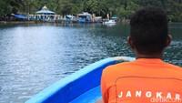 Buat kamu yang ingin melihat budaya Kampung Lopintol di Teluk Mayalibit, bisa naik speedboat dari Dermaga Waisai dengan durasi sekitar 2 jam perjalanan. Bisa lebih cepat kalau laut sedang bersahabat (Randy/detikcom)