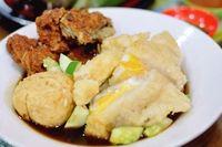 Duh Bikin Laper! Makan Ayam Rempah, Sego Sirem hingga Pempek Mantap