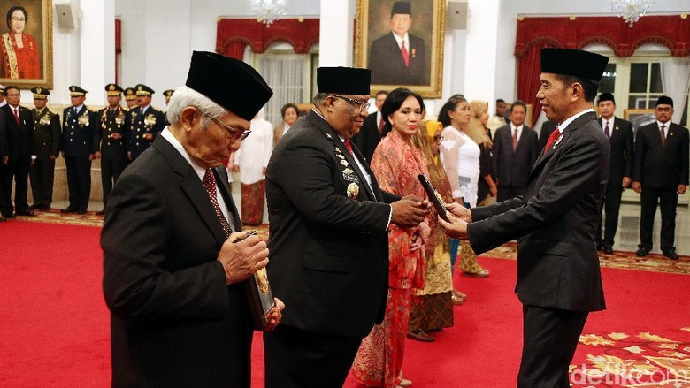 Busyro Apresiasi Pemberian Gelar Pahlawan Nasional ke Tokoh UII, Tapi...