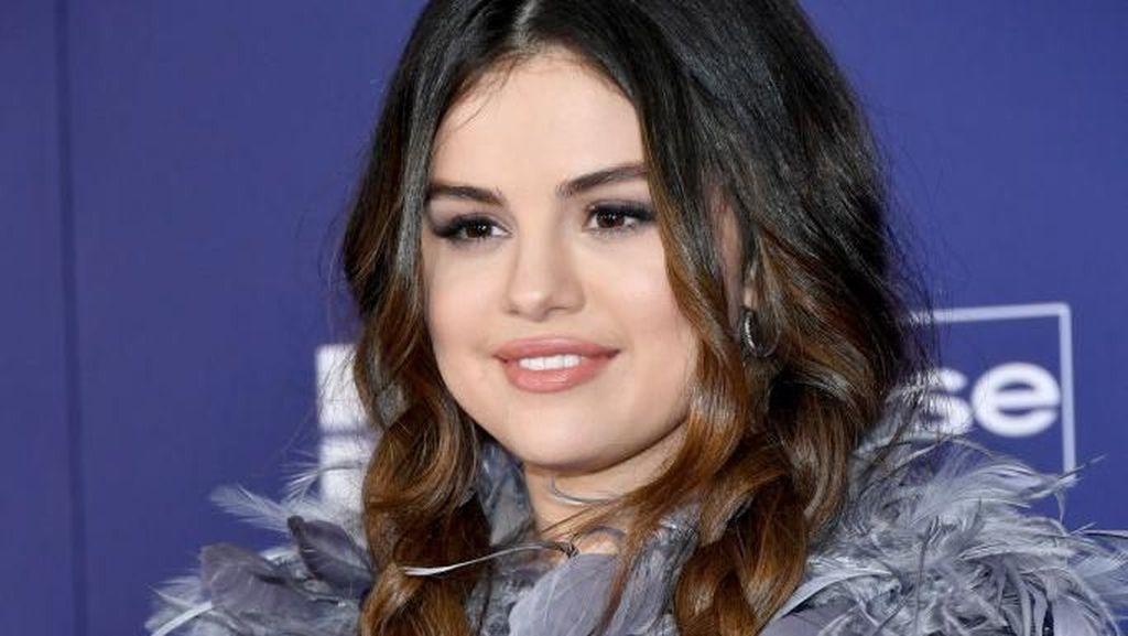 Curhat Selena Gomez yang Di-bully Gara-gara Berat Badan Naik