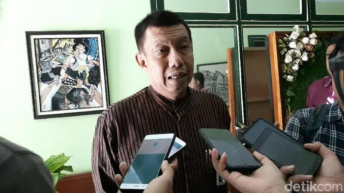 Wali Kota Yogyakarta, Haryadi Suyuti saat bicara soal pemeriksaannya oleh KPK, Jumat (8/11/2019).