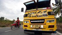 Unik, Bus Kayu Ini Wara-wiri di Karimun, Kepri