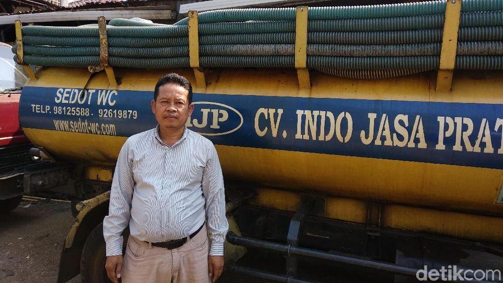 Sampai Bermandikan Tinja, Bukti Petugas Sedot WC Bukan Pekerjaan Mudah