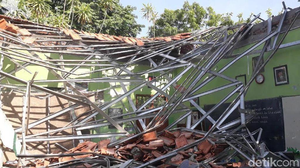 Renovasi Gedung Ambruk di SDN Gentong Pasuruan Jadi Perdebatan DPR