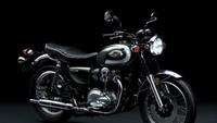 Kawasaki Motor Indonesia kembali merilis model baru di segmen klasik. Moge ini adalah model W800 baru. W800 memiliki tampilan dan nuansa W original, yang membuat pengendara memahami kesenangan dan kebanggaan mengendarai mesin tahun 60-an. Istimewa/Dok. Kawasaki.
