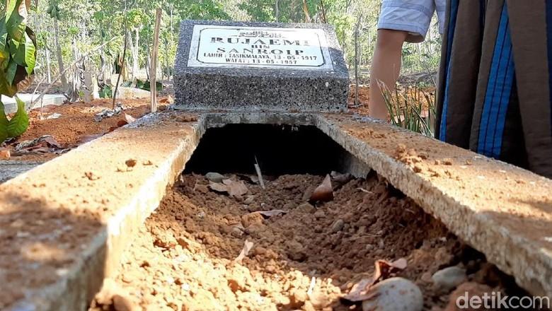 Teka-teki Motif Pelaku Pembongkaran 25 Makam di Tasikmalaya