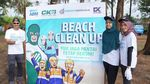Bukti Nyata Peduli Lingkungan Bersihkan Pantai