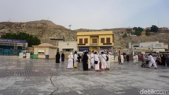 Jemaah marbut dan majelis taklim DKI mengunjungi tempat lahir Nabi Muhammad usai umrah kedua. (Kanavino/detikcom)