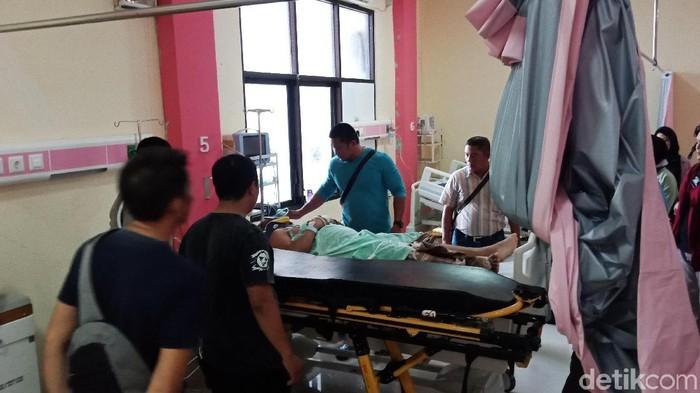 Polisi yang diduga ditembak rekannya, Aipda Nabud Salama, mulai membaik kondisinya di RS Undata, Palu. (M Qadri/detikcom)