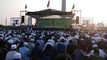 Warga Mulai Berdatangan ke Perayaan Maulid Nabi di Monas
