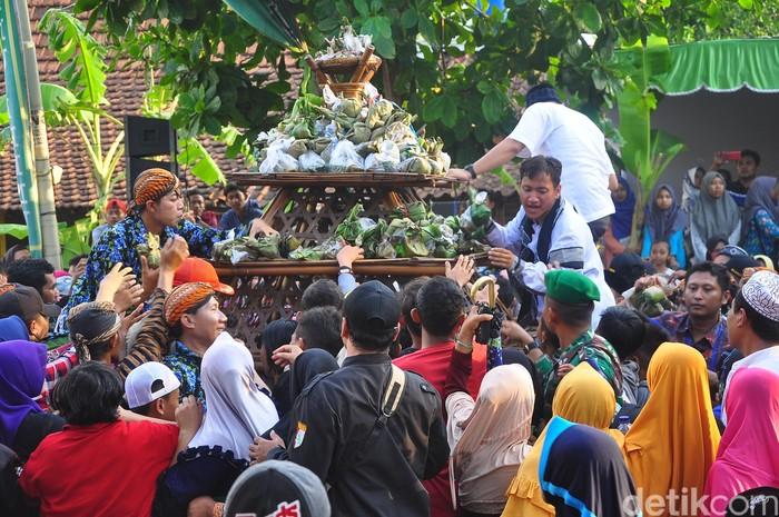 Festival Ampyang Maulid di Kudus 2019