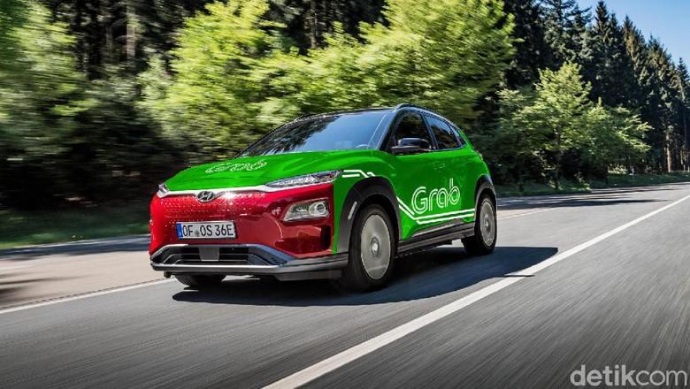 Hyundai Kona listrik dengan stiker Grab Foto: Fuad Hasim