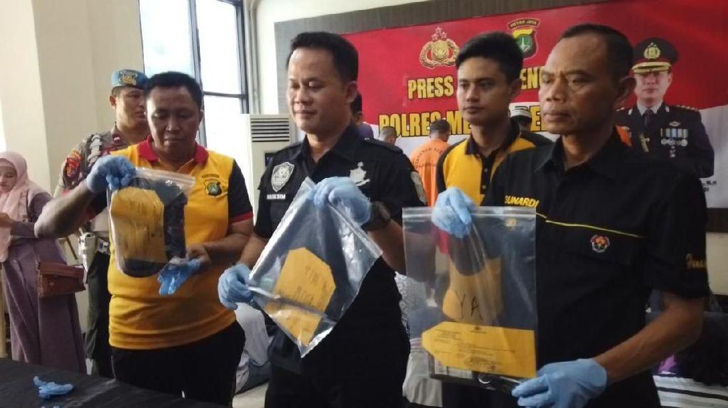 Aniaya dan Rusak Mobil Warga, 3 Anggota Ormas di Bekasi Ditangkap