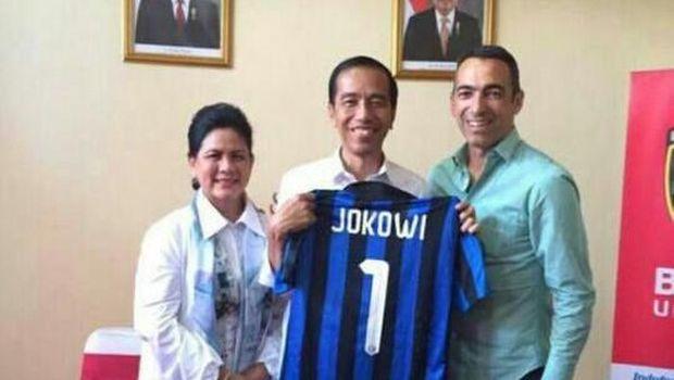 Jersey 21 FIFA dan Sederet Nomor Punggung Keramat Jokowi
